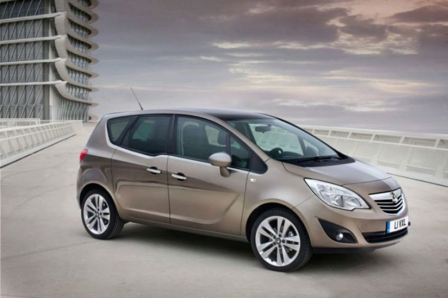 "Atskleistas ""Opel Meriva"" interjeras"
