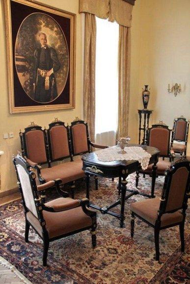 Istorinių rūmų interjerų ekspozicija
