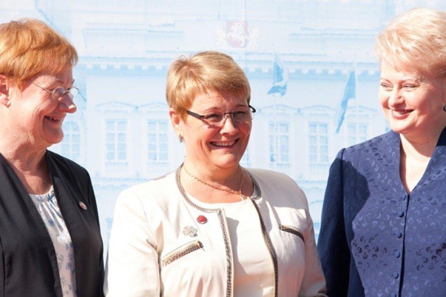 Suomijos prezidentė Tarja Halonen (kairėje), Švedijos energetikos ministrė Maud Olofsson (centre) ir Lietuvos prezidentė Dalia Grybauskaitė