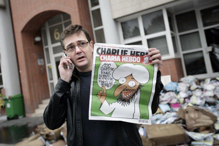 """Charbas laiko 2011 m. lapkričio 2-osios """"Charlie Hebdo"""" žurnalą."""