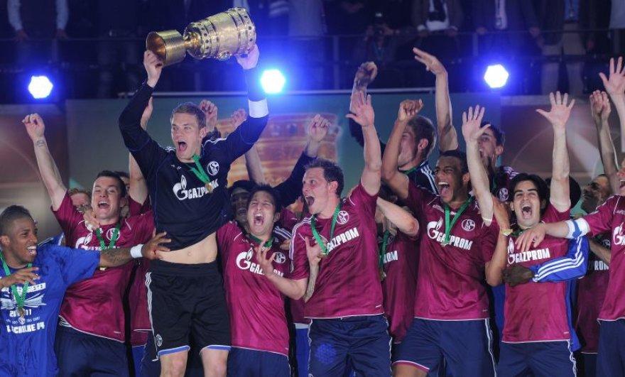 """""""Schalke"""" iškovojo Vokietijos taurę"""