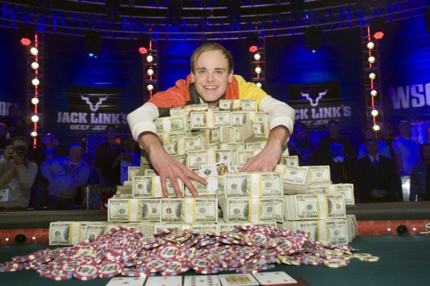 Piusas Heinzas tapo pirmuoju vokiečiu, laimėjusiu WSOP
