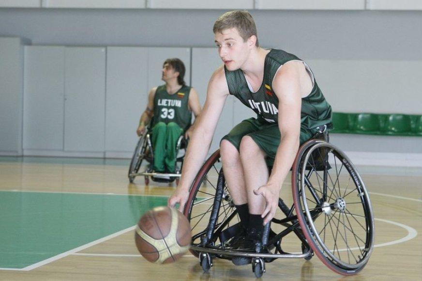 Neįgaliųjų rinktinė tęsia pasiruošimą Europos čempionatui Lietuvoje