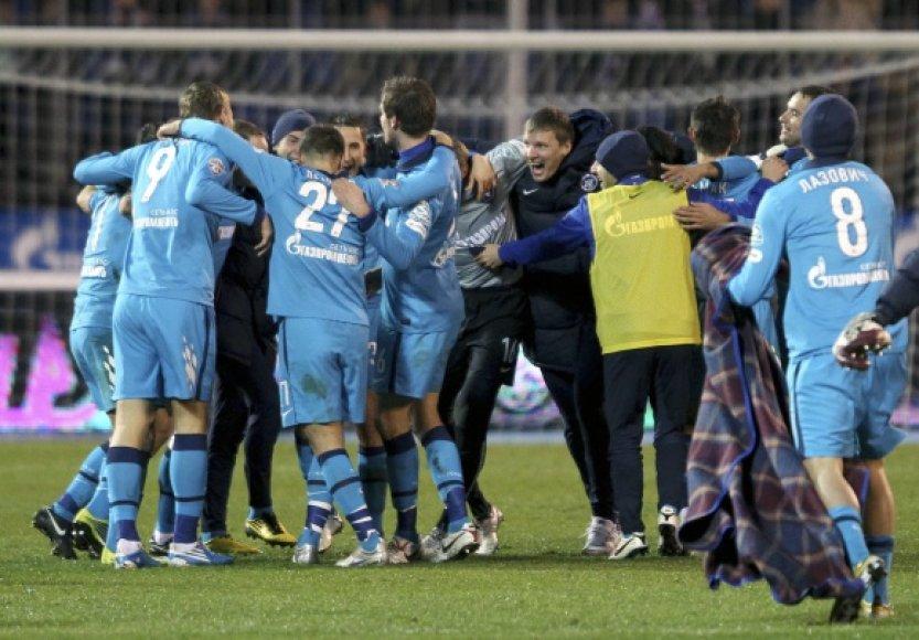 """""""Zenit"""" futbolininkai vėl tapo Rusijos čempionais"""
