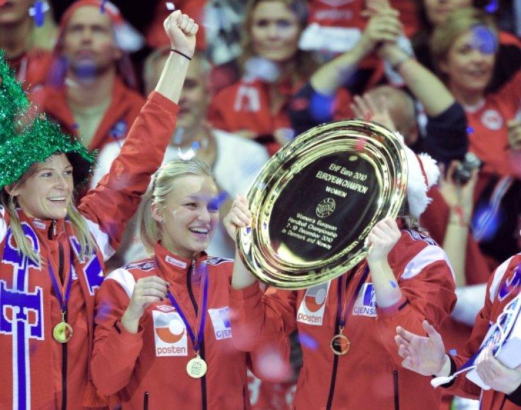 Novregijos rinktinė džiaugiasi iškovotu žemyno čempionių titulu.