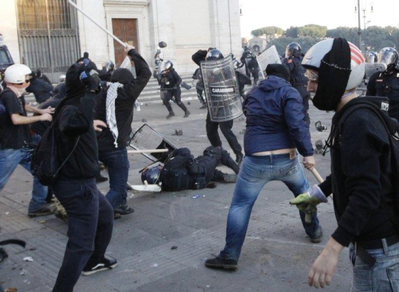 Riaušės Romoje