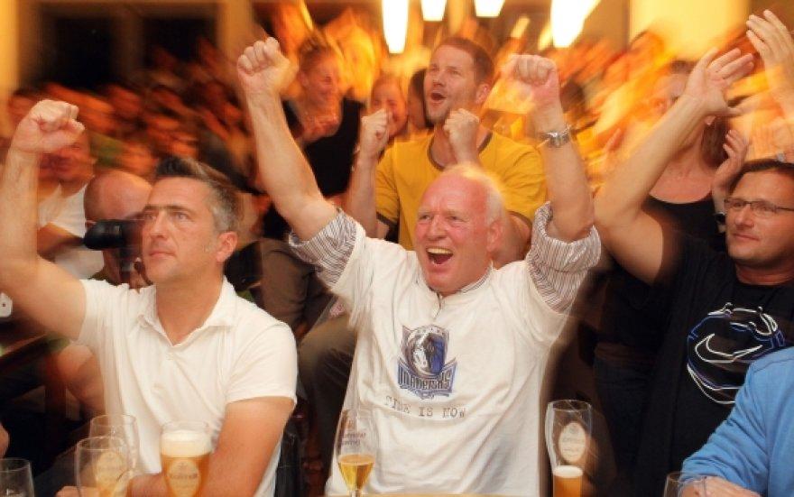 Vurcburgo bare sūnaus triumfą stebėjo ir Joergas Nowitzkis