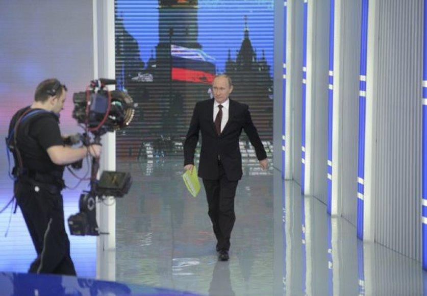 Ketvirtadienį Vladimiras Putinas 10 kartą kreipėsi į liaudį per TV