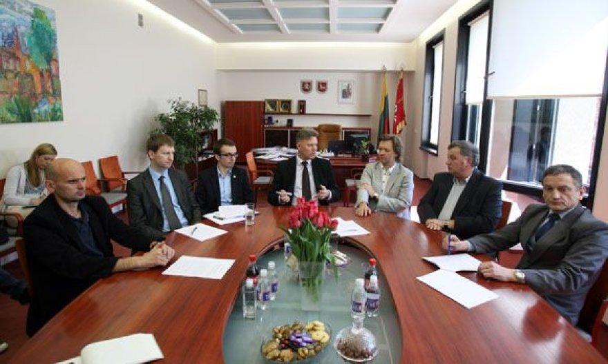Šešių Kauną valdančių politinių organizacijų atstovai pristatė veiklos programą.