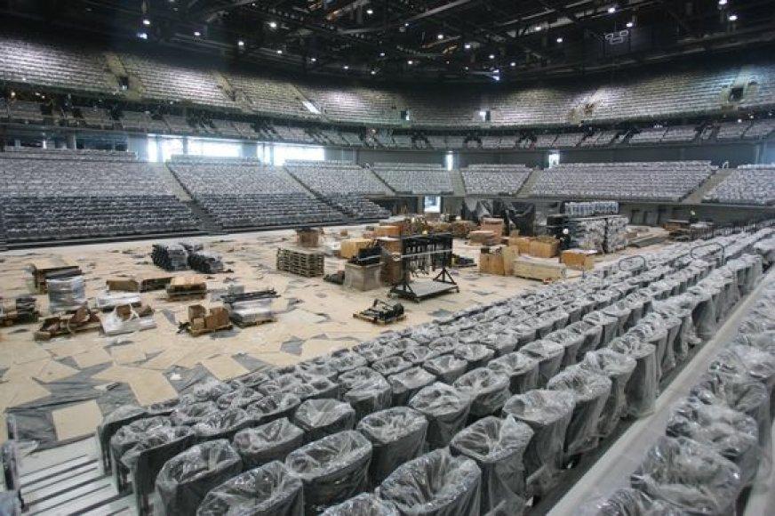 Dėl arenos kėdžių kilo ginčai.