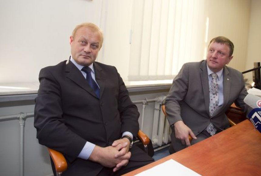 V.Gailius (d.) ir A.Packevičius pasakojo apie naujas finansinių nusikaltimų tendencijas.
