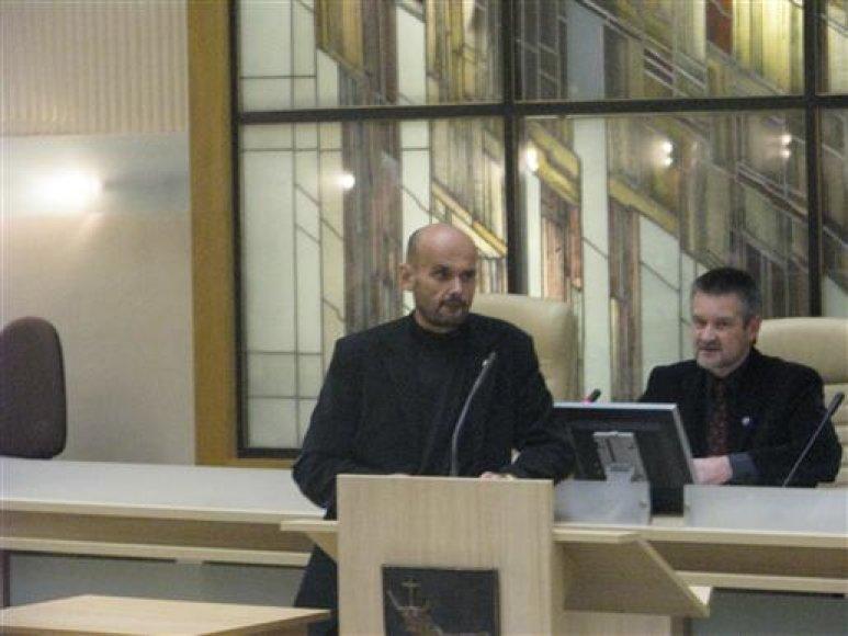 Afganistano karo veteranų organizacijos pirmininko pavaduotojai G.Labanauskas (k.) ir A.Bitinas pagrindinį dėmesį skyrė socialinėms veteranų problemoms.