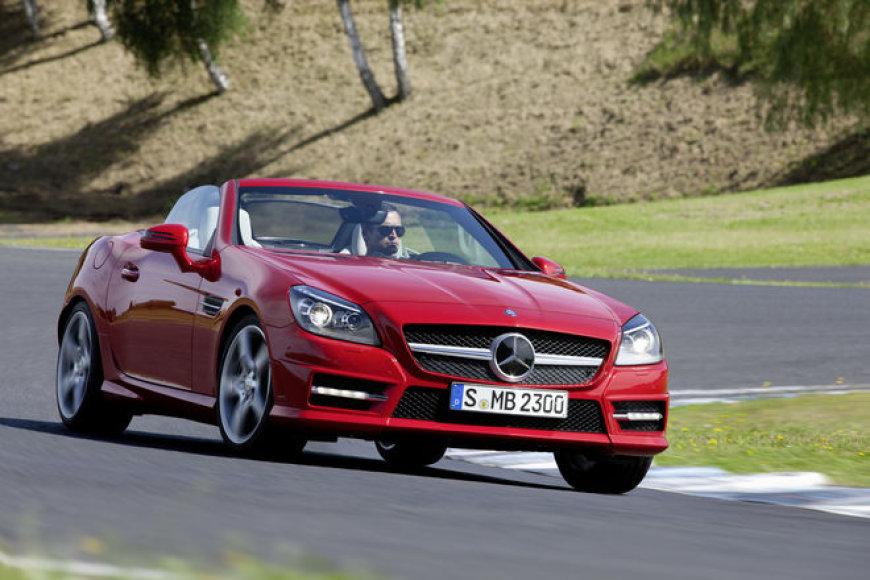 """2012 m. """"Mercedes-Benz SLK"""" kabrioletas"""