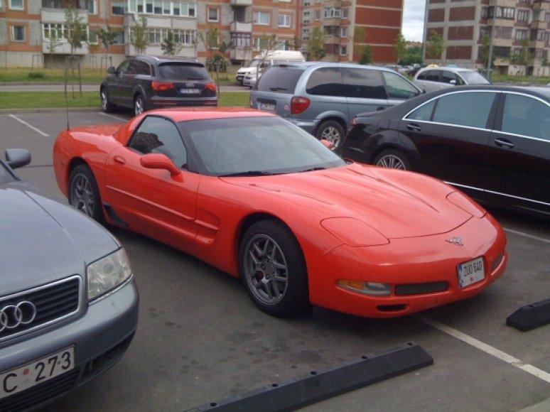 """""""Chevrolet Corvette"""" prie prekybos centro"""