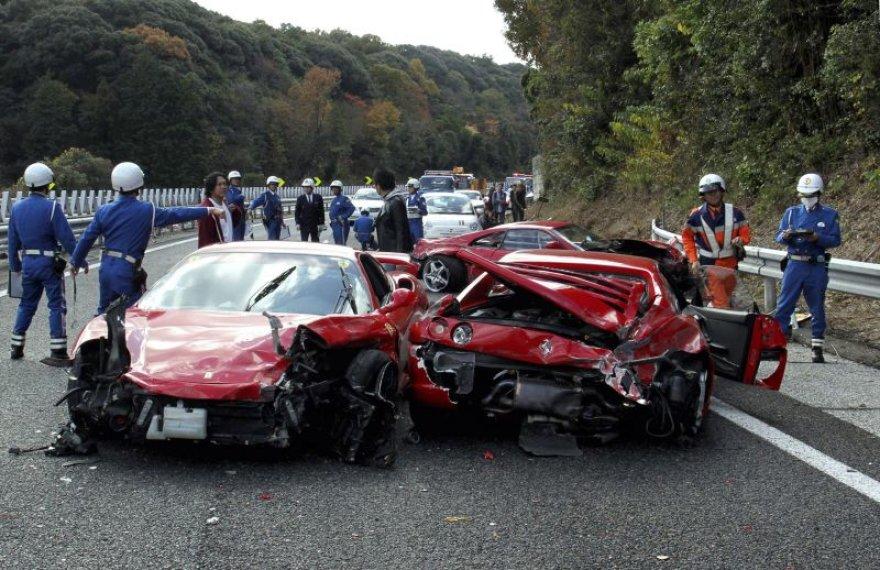 Superautomobilių avarija Japonijoje