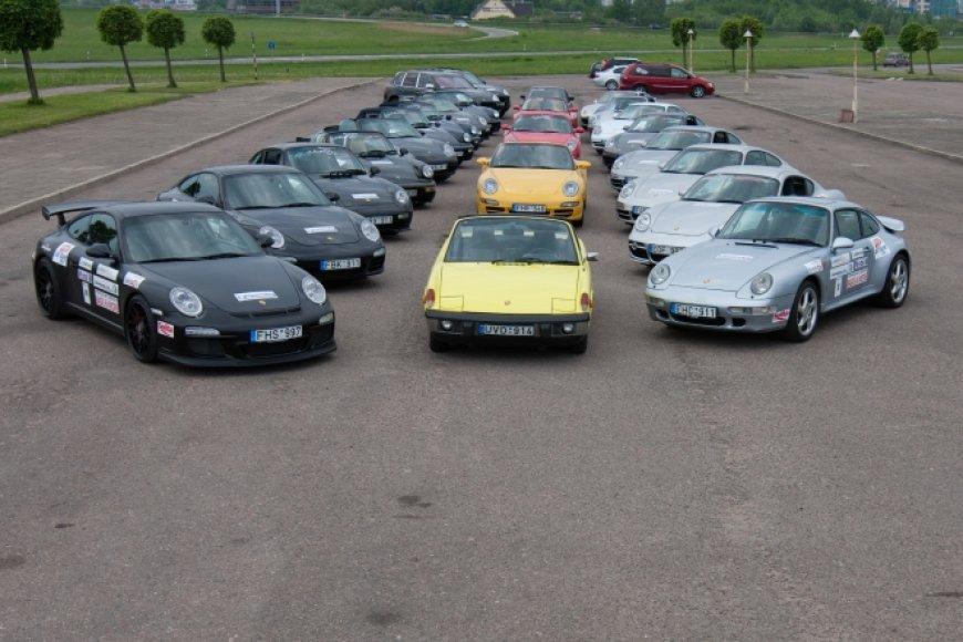 """Porsche"" klubo 2011 metų sezono atidarymas"
