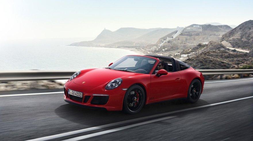 """""""Porsche"""" nuotr./""""Porsche 911 Targa 4 GTS"""""""