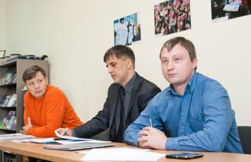 Po rinkimų Rusijoje niekas nepasikeis, teigia M.Kostiajevas (dešinėje).