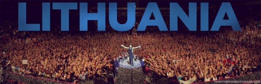 Jaredas Leto su koncerte susirinkusiais gerbėjais