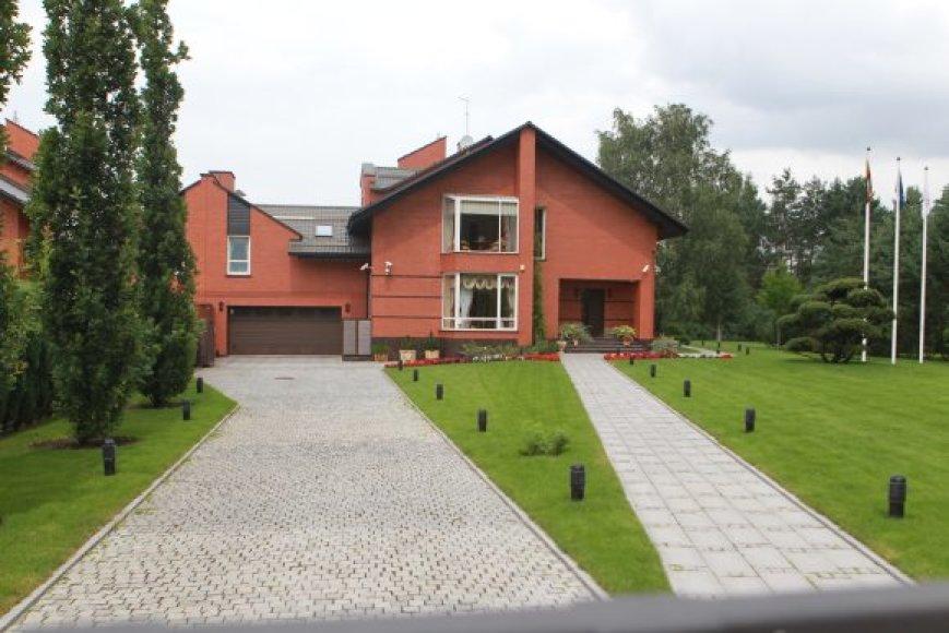 namas