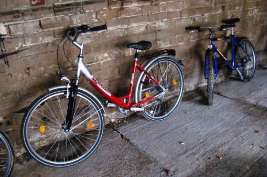 Mikroautobusu gabenti dviračiai, kaip įtariama, buvo pavogti.