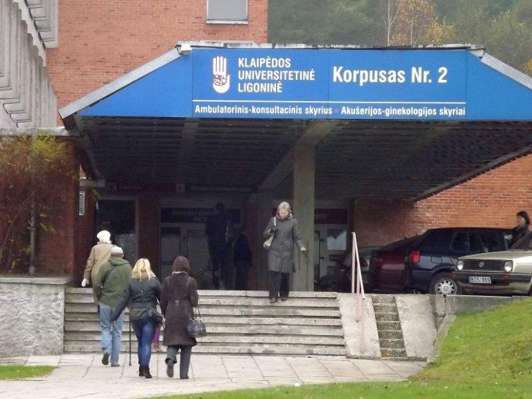 Politikai nori žinoti, kiek  Klaipėdos universitetinė ligoninės lėšų liko įšaldyta bankrutavusiame banke.