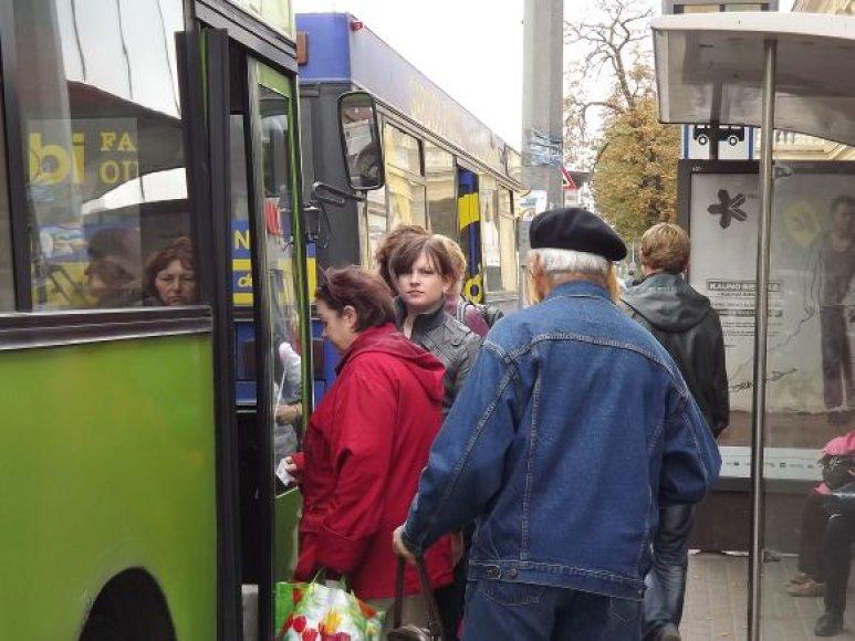 Kelionė autobusu turėtų pabrangti dar šiemet.