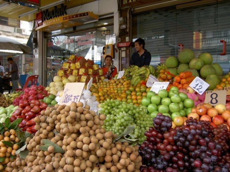 Vaisių pardavėjas Bankoko gatvėje