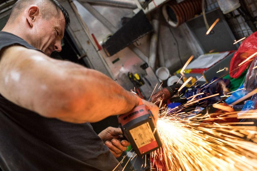 Vytauto Dranginio (www.dranginis.photo) nuotr./Mechanikų darbas bivake