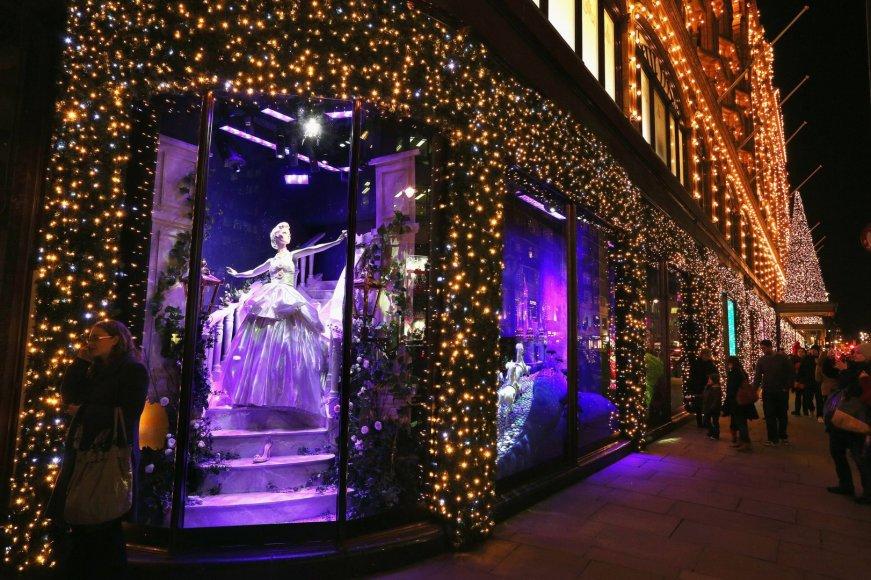 Asociatyvinė nuotrauka. Kalėdinės dekoracijos Londone. Oli Scarff nuotr.