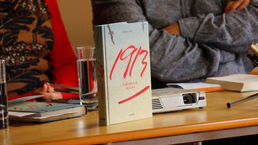 """Floriano Illieso mikroistorijų romanas """"1913: šimtmečio vasara"""""""