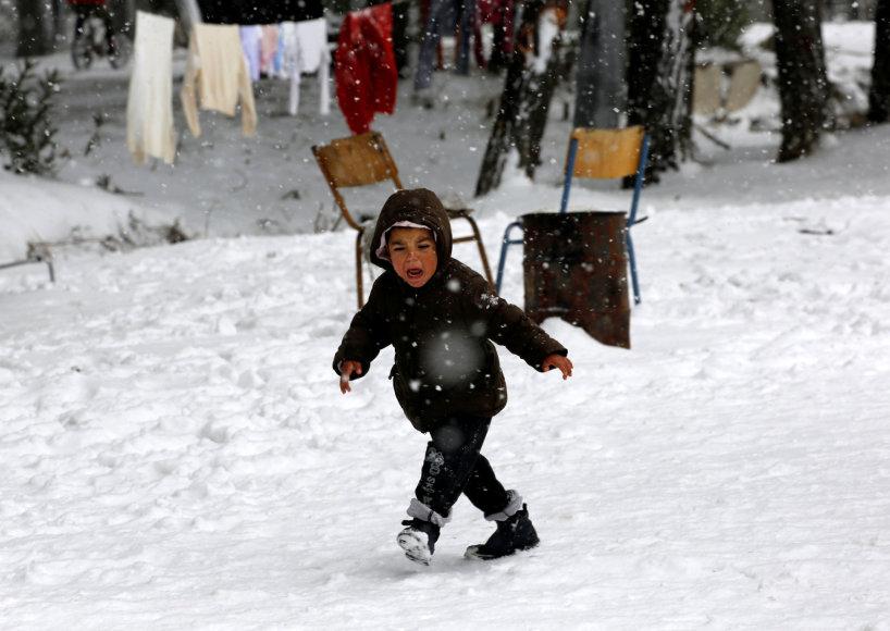 Pabėgėlių vaikas Graikijos stovykloje