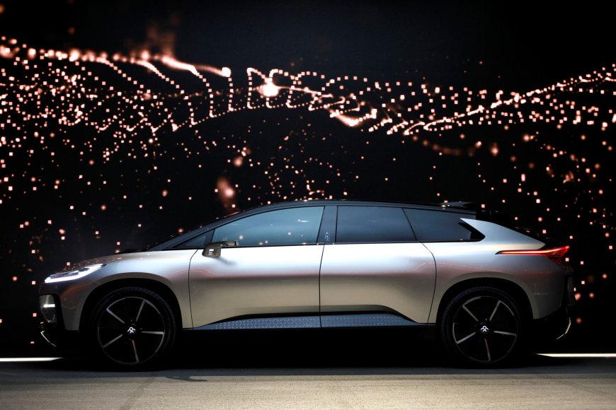 """""""Faraday Future"""" pristatė elektromobilį FF-91"""