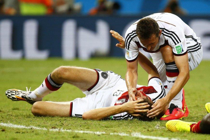Thomas Muelleris ir Miroslavas Klose