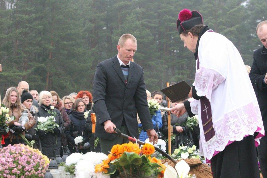 Justinos Šikšniūtės laidotuvės Mažeikiuose