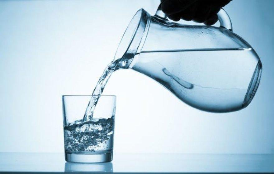 Ar žinome, koks vanduo yra tinkamiausias būtent mūsų organizmui?/Nuotr. Fotolia