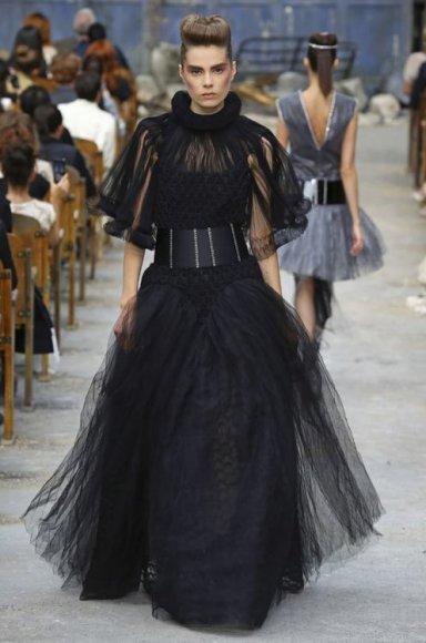 """""""Chanel"""" aukštosios mados modelis"""