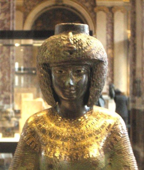 Karalienės Karomamos skulptūra