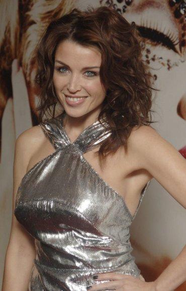 Dannii Minogue švenčia 42-ąjį gimtadienį