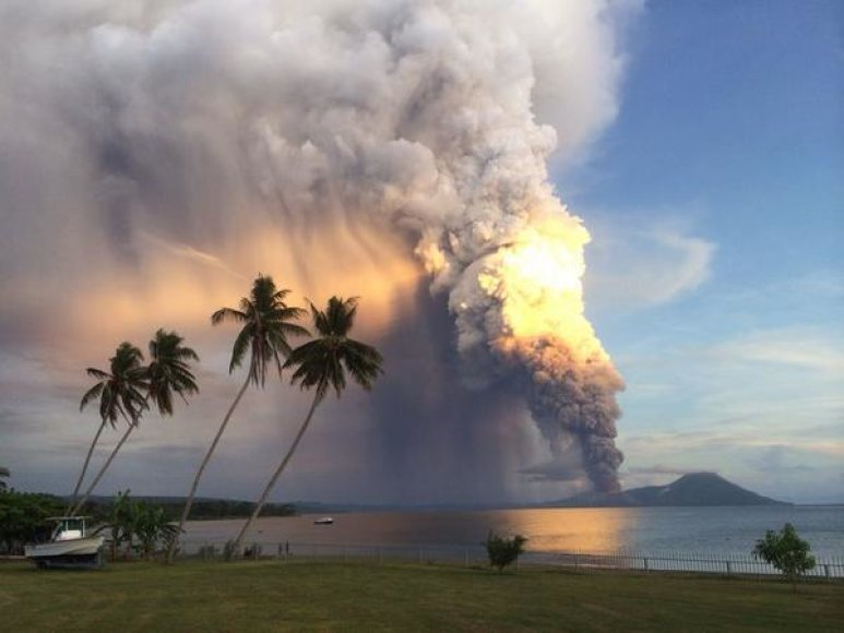 Ugniklanio išųsiveržimas Papua Naujojoje Gvinėjoje