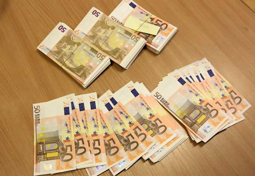 Suklastoti eurai