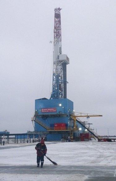 Naftos gręžimo bokštas Vakarų Sibire