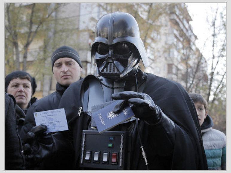 Dartas Veideris rinkimuose Ukrainoje