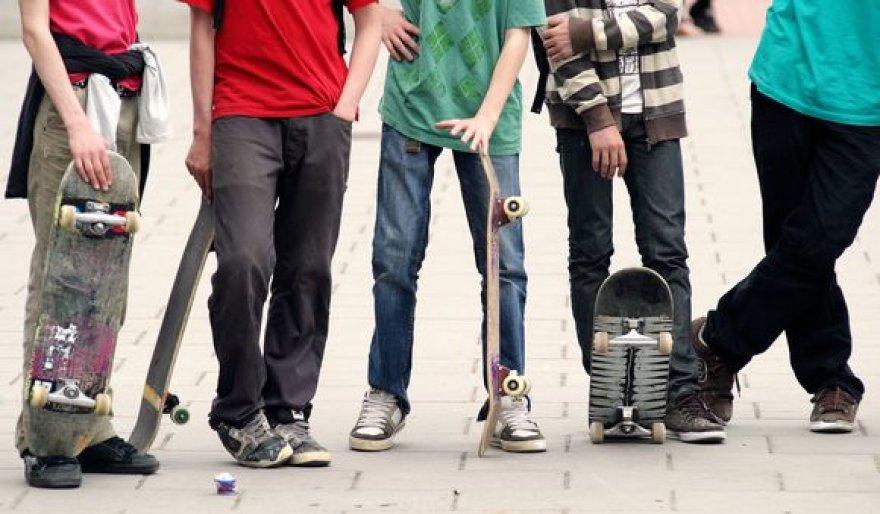 Beveik trečdalis 12-14 metų vaikų reguliariai vartoja energinius gėrimus, kurių sudėtyje yra kofeino.