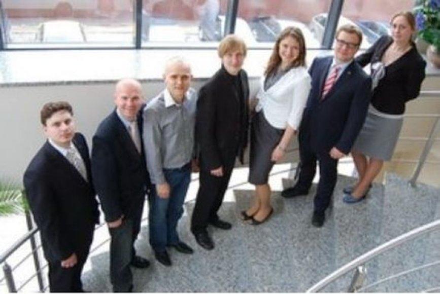 Nuotraukoje iš kairės – nauja LiMA valdyba: R.Buračas, S.Kazlauskas, S.Bartkus, V.Gailevičius, L.Jagniatinskytė, L.Stankevičius, Ž.Šimkienė.