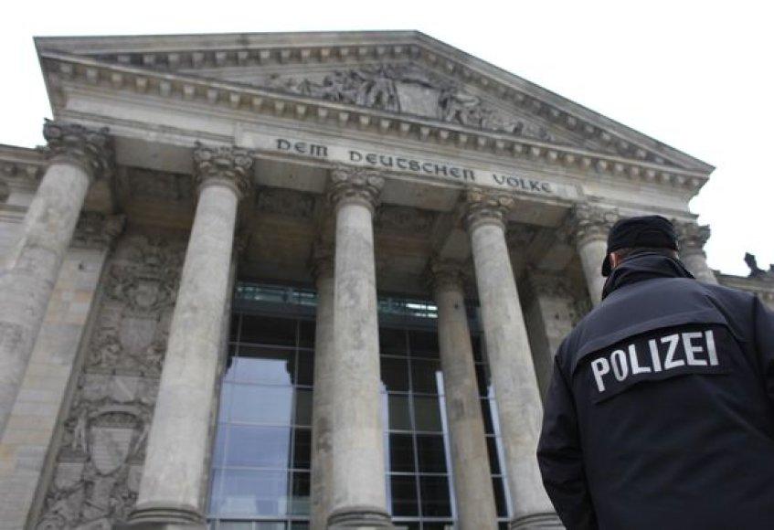 Policija budi prie Reichstago pastato