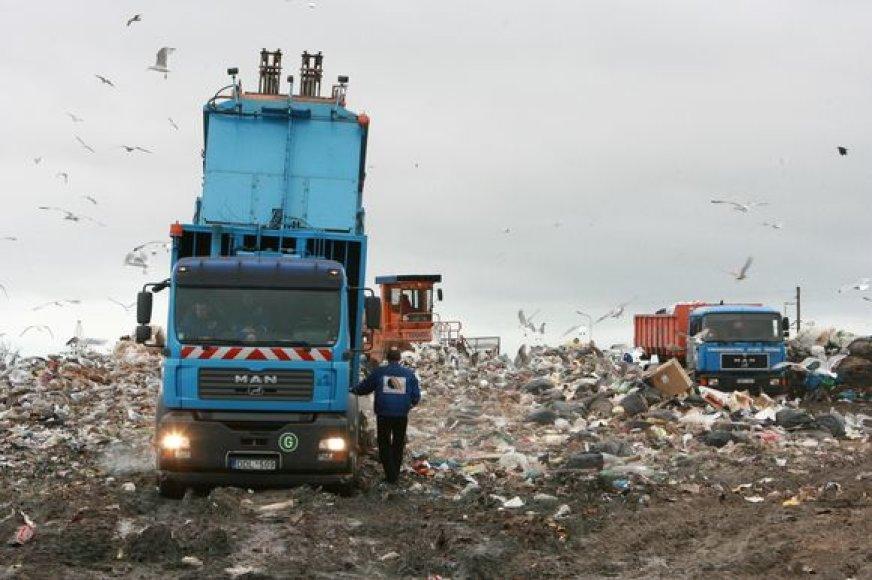Klaipėdos regiono atliekų tvarkymo centre atliekos iki šiol dar teberūšiuojamos, tačiau susiduriama su vis didesnėmis problemomis.