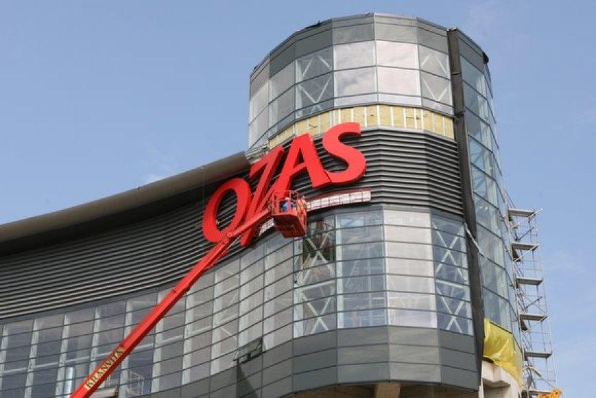"""Vilniaus pramogų parko teritorijoje baigiamo statyti prekybos ir pramogų centro """"Ozas"""" plėtotojai skaičiuoja dienas iki atidarymo."""