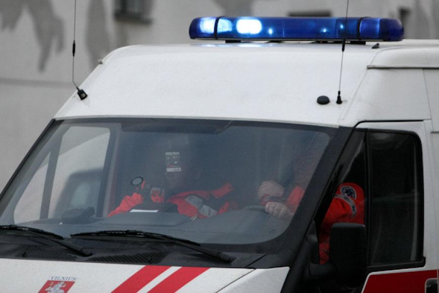 Vilniaus gatves padengęs plikledis pridarė medikams darbo