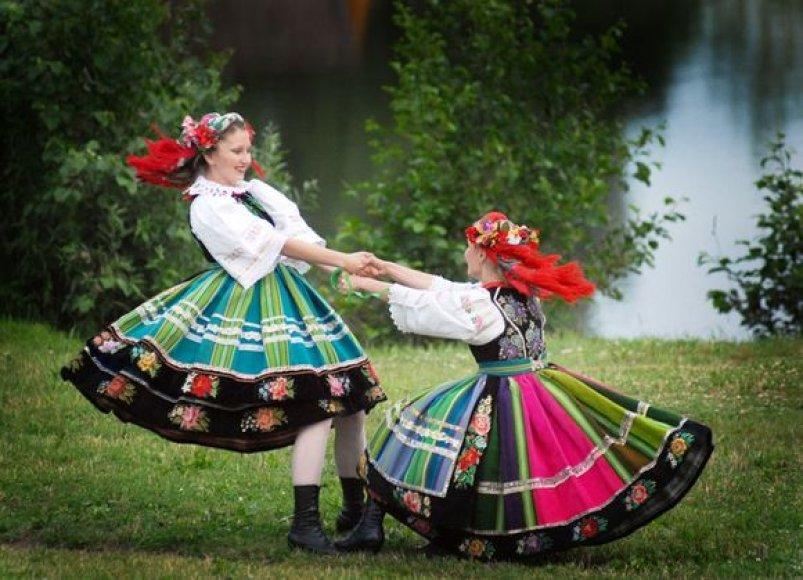 """Festivalio """"Lingaudala"""" šokėjos"""